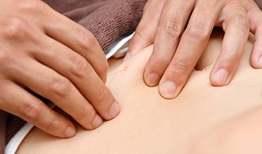 お腹への鍼治療